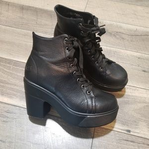 """Dirty Laundry """"Campus Queen"""" Heeled Boots 7.5"""